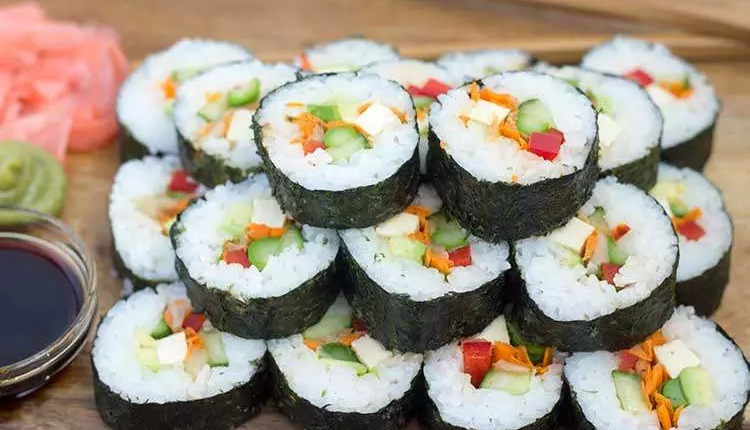 طريقة عمل السوشي