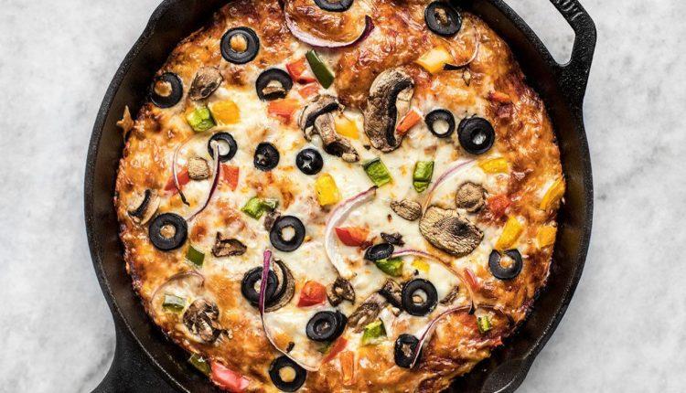 طريقة عمل بيتزا الطاسة بالتونة