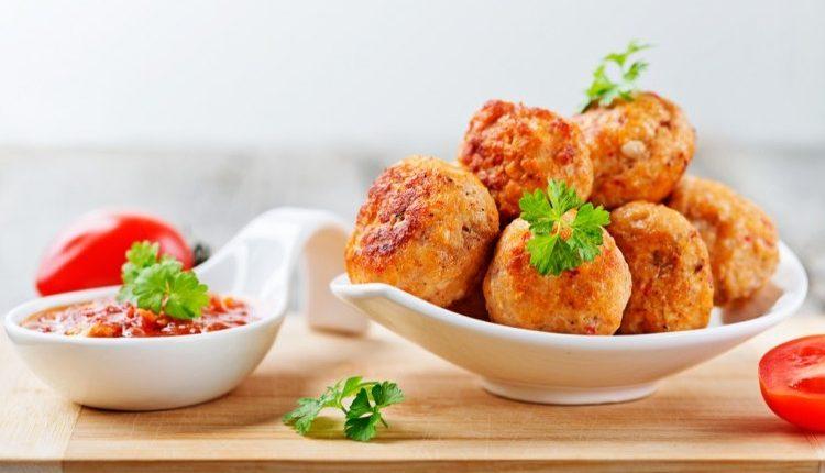 طريقة عمل كرات الدجاج للرجيم