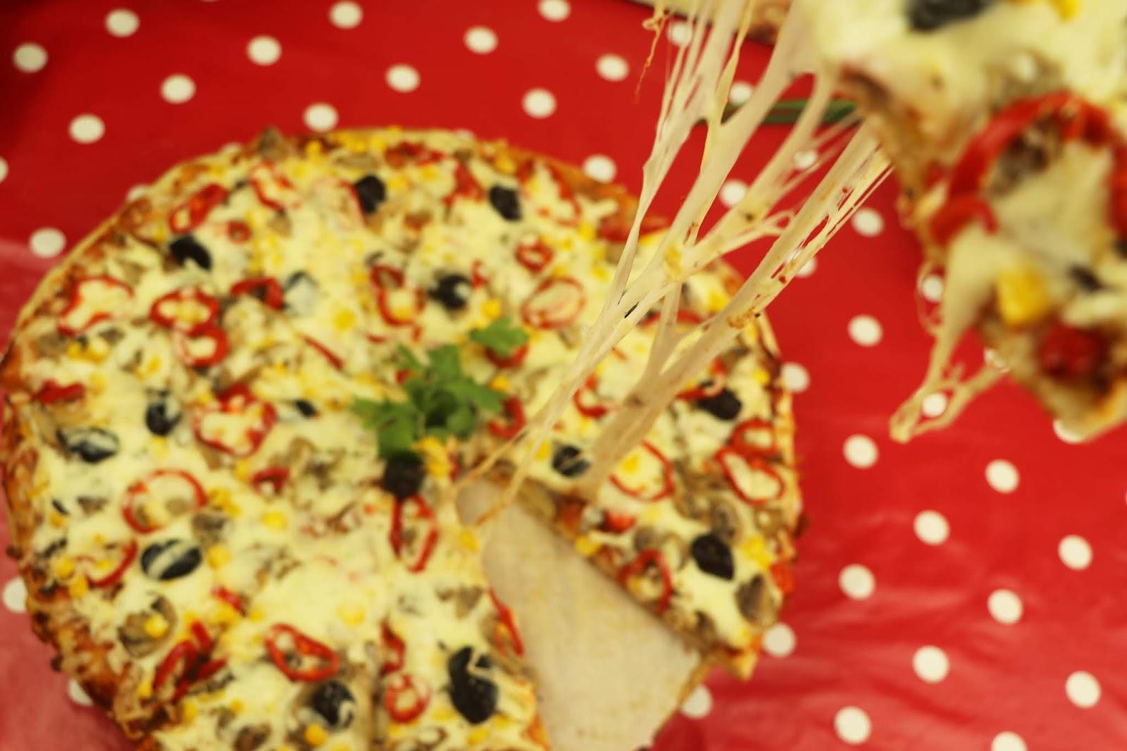 طريقة عمل البيتزا بالعجينة السحرية