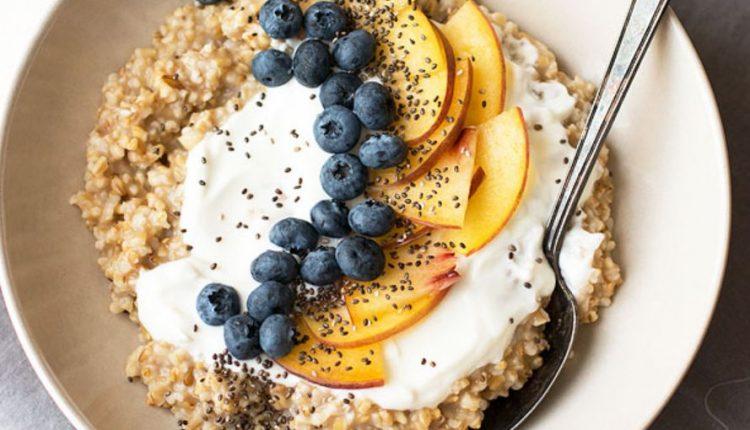 أكلات سريعة للفطور الصباحي صحية بالشوفان والتفاح