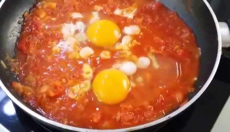 10 أكلات سريعة للعشاء بيض بالطماطم