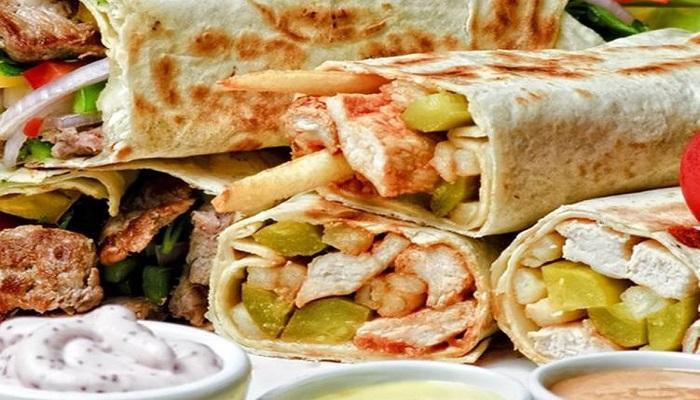 سندوتشات الشاورما بالخبز العربي