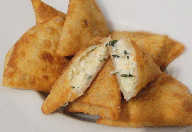 طريقة عمل السمبوسك باللحمة المفرومة والجبنة