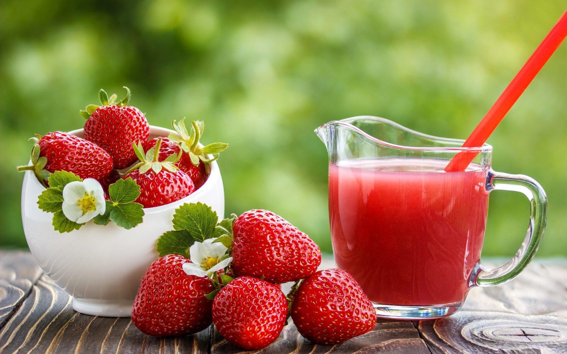 وصفة عصير الفراولة والموز المثلج