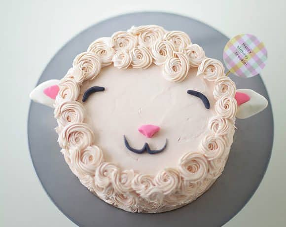 طريقة عمل كيكة خروف العيد