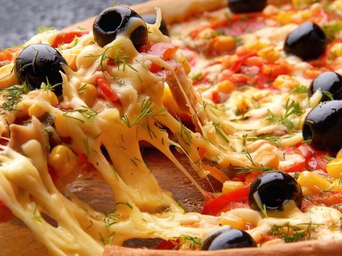 وصفات لعمل البيتزا